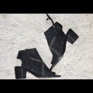 Sam Edelman Women's Cooper Black Open Toe Sandal